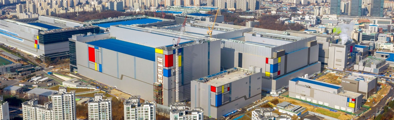 Samsung has begun mass production of its EUV chipset in its V1 plant